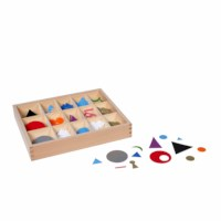 Wortsymbole aus Kunststoff im Kasten